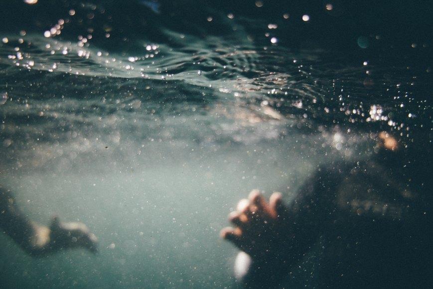 Into the Water by Paula Hawkin